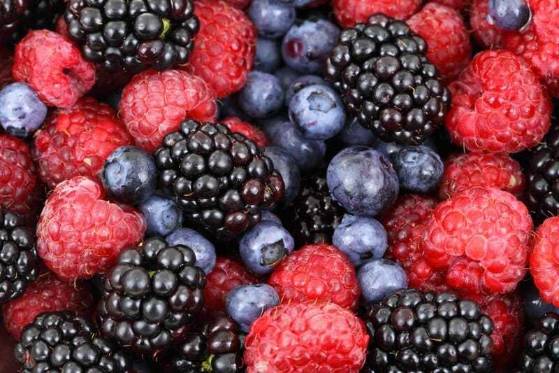 blackberries berries raspberries effect on skin