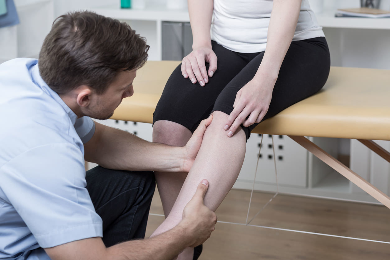 vein consultation with doctor leg